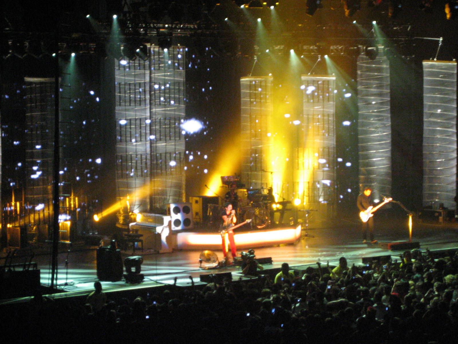 http://europeantravellingadvisor.files.wordpress.com/2008/10/muse-concert.jpg