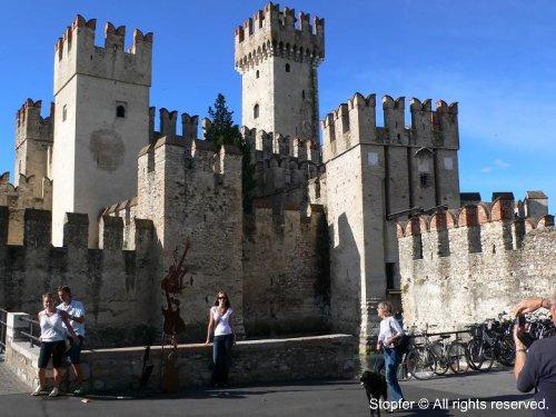 me in front of Scaglieri castle in Sirmione